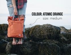 Roka London Finchley A. medium reppu, sustainable atomic orange